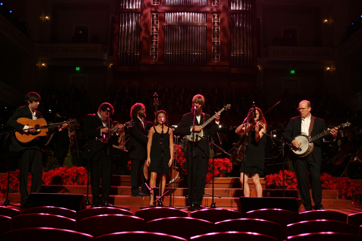 Photos and Video) Behind the Scenes at Christmas at Belmont – News ...